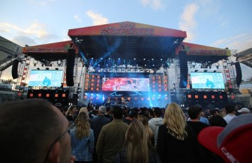 Large Scale Concert Staging